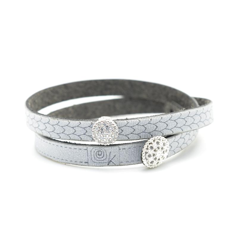 Bracciale in tessuto metallizzato colore argento con inserto Charms Pavè in Argento 925%.100% made in Italy