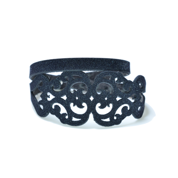 Bracciale in tessuto metallizzato colore nero con chiusura in argento 925%.100% made in Italy