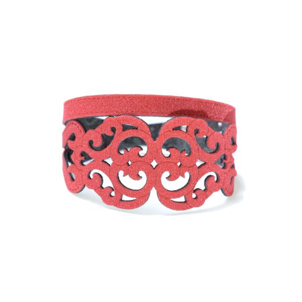Bracciale in tessuto metallizzato colore rosso con chiusura in argento 925%.100% made in Italy