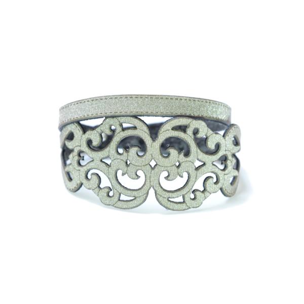 Bracciale in tessuto metallizzato colore tortora con chiusura in argento 925%.100% made in Italy
