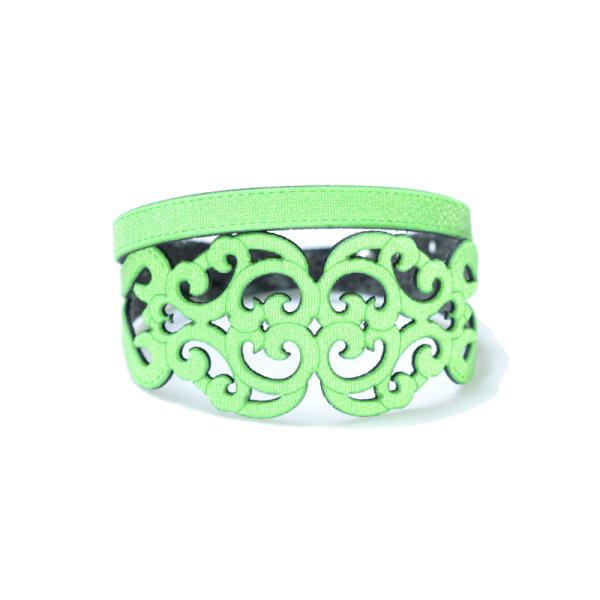 Bracciale in tessuto metallizzato colore verde fluo con chiusura in argento 925%.100% made in Italy