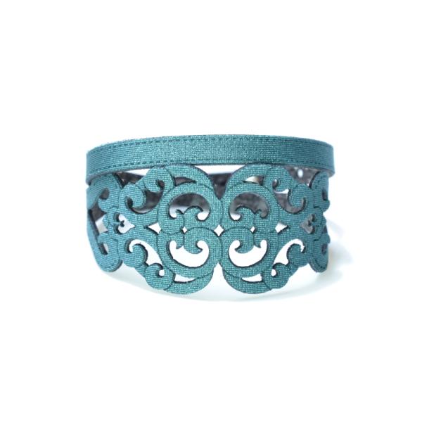 Bracciale in tessuto metallizzato colore verde smeraldo con chiusura in argento 925%.100% made in Italy