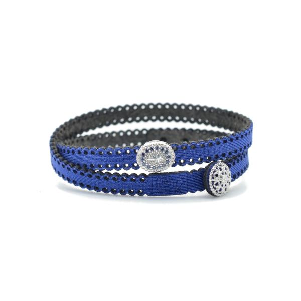 Braccialetto in tessuto blu con inserto croce in argento 925 e zirconi blu. 100% made in Italy