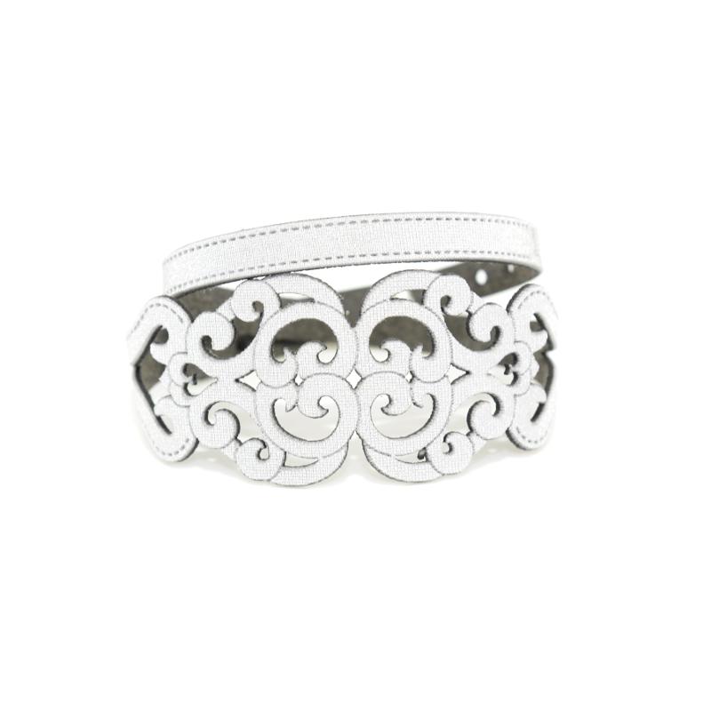 Bracciale in tessuto metallizzato colore Argento con chiusura in argento 925%.100% made in Italy