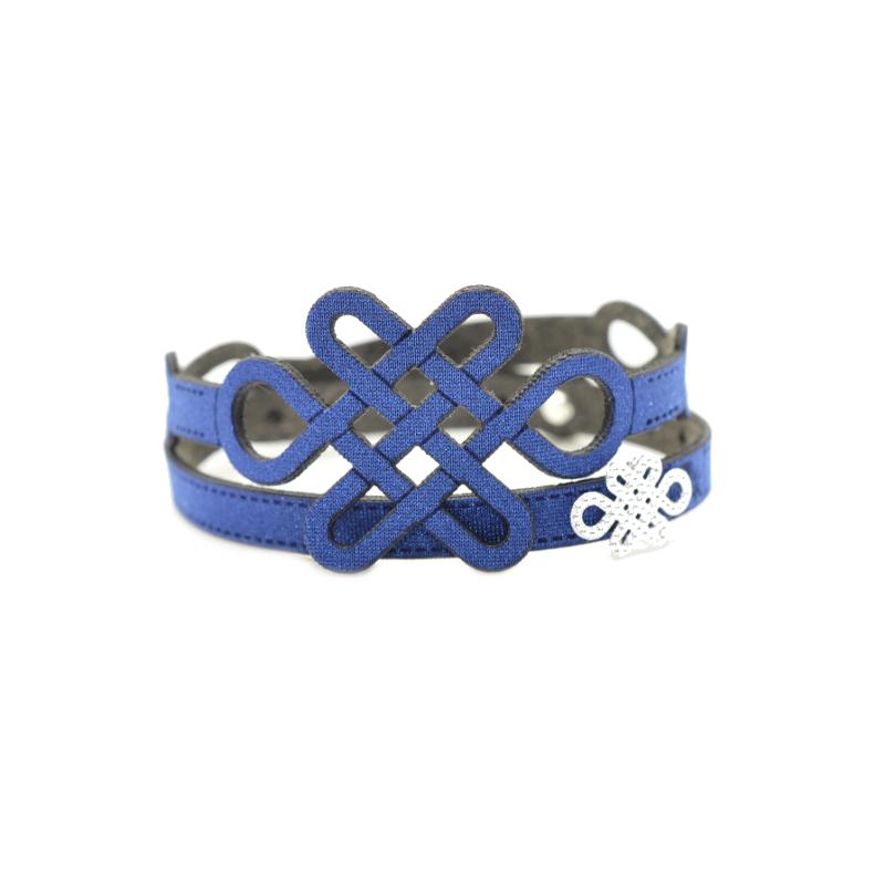 Esclusivi bracciali in tessuto metallizzato blu con inserto e chiusura in Argento 925%. 100% made in Italy