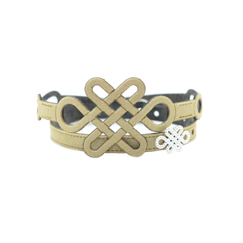 Bracciali in tessuto colorato con inserto in Argento 925%. Scegli il tuo colore preferito e aggiungi il tuo Charms preferito!